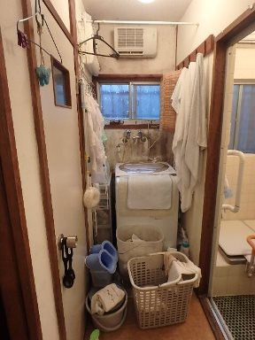 防かびリフォーム前の洗濯機まわり