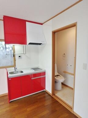 キッチンとトイレ増設後