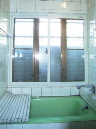 浴室内窓工事後